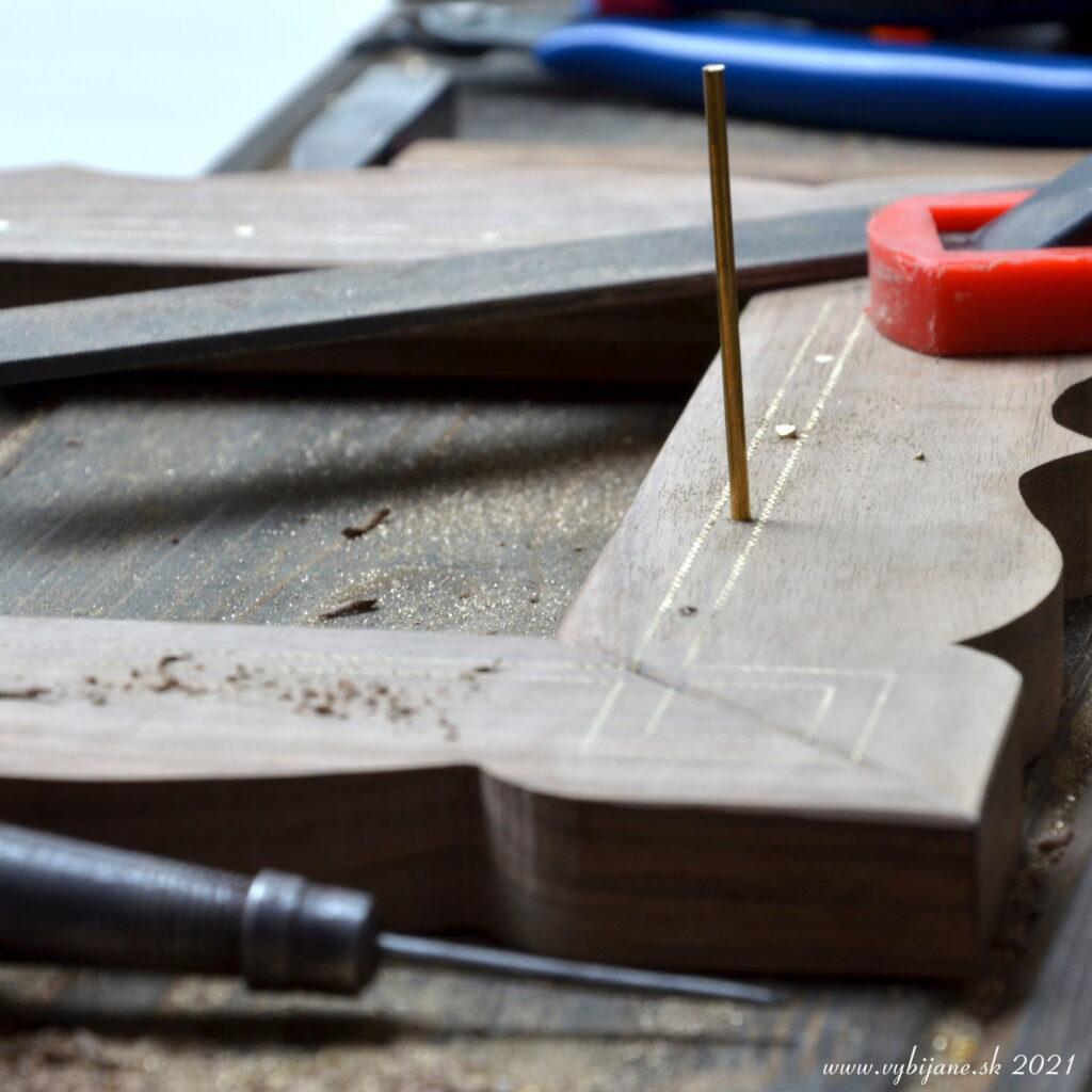 ...a niečo z výroby, vybíjanie orechového dreva